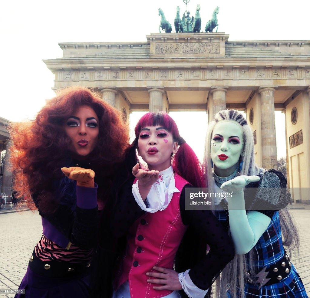 Die Darstellerinnen des Musical \'Monster High Live\' Nicole Rushing ...