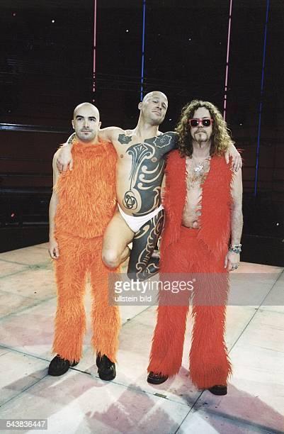 Die deutsche Musikgruppe Knorkator aus Berlin nimmt an der Vorausscheidung zum Grand Prix Eurovision de la Chanson 2000 teil Keyboarder Alf Ator...