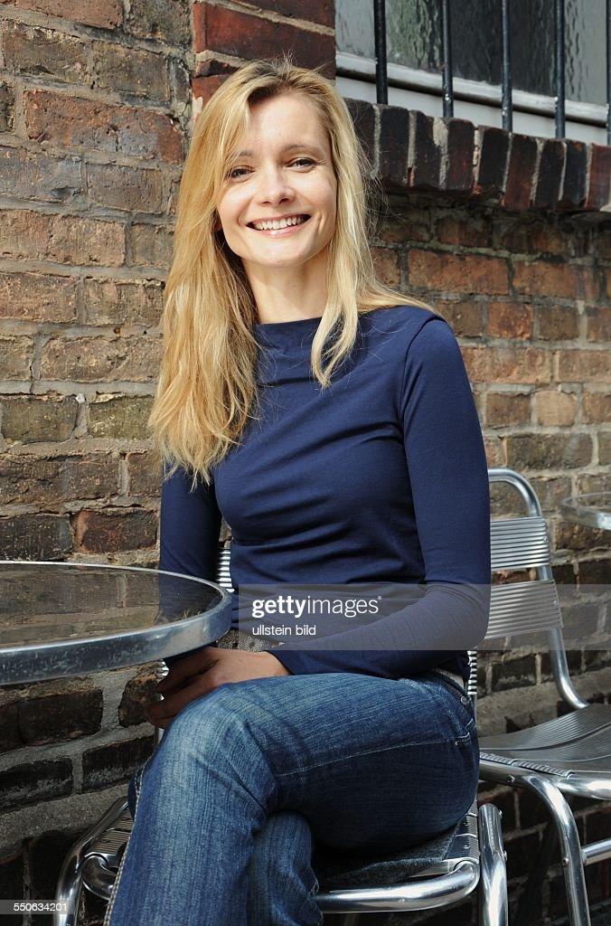 Die deutsche Schauspielerin Alexandra Finder in Frankfurt