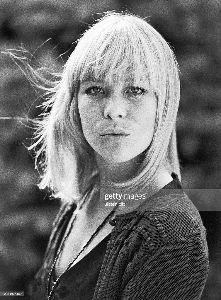 Lundi, Monika / Schauspielerin Pictures