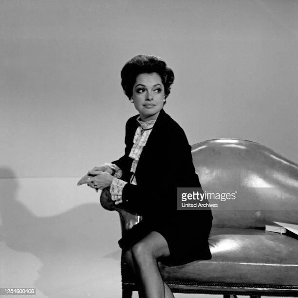 Die deutsche Schauspielerin Nadja Tiller, Deutschland Ende 1960er Jahre.