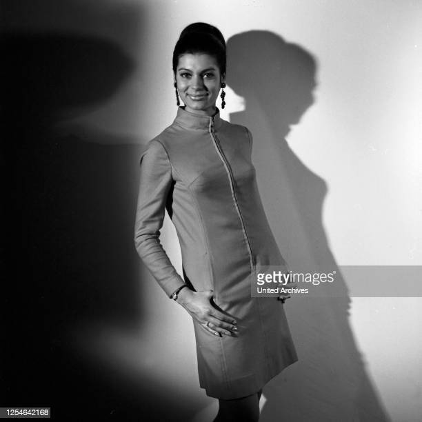 Die deutsche Schauspielerin und Model Sylvia Traenckner, Deutschland 1960er Jahre.