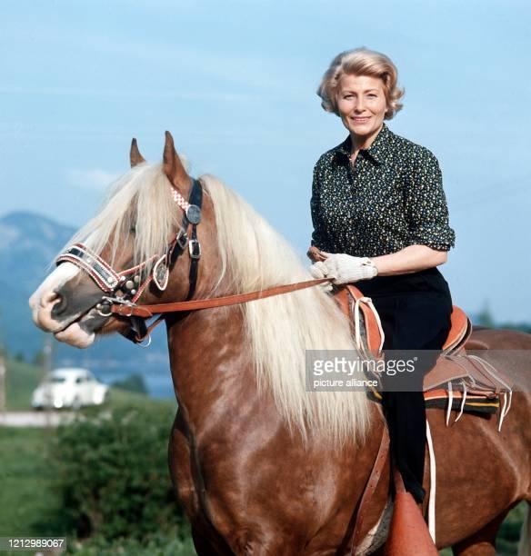 Die deutsche Schauspielerin Winnie Markus , die vor allem im deutschen Nachkriegsfilm Erfolge feierte, begeht am 16. Mai 2001 ihren 80. Geburtstag....