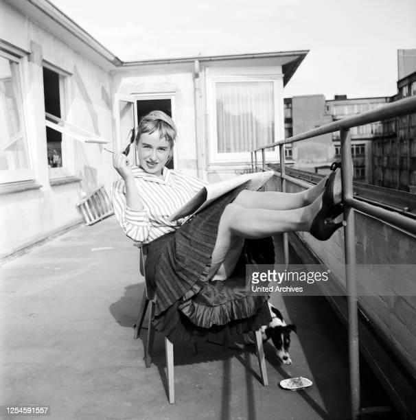 Die deutsche Schlagersängerin Jazzsängerin und Schauspielerin Sybille Pagel die später unter dem Namen Danny Mann auftrat Juni 1957