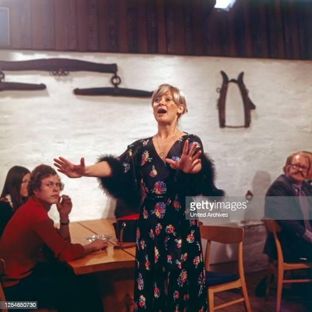 Die dänische Sängerin Gitte Haenning, Deutschland 1970er Jahre.
