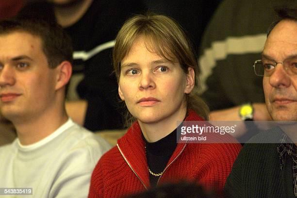 Die ehemalige Skiläuferin Katja Seizinger als Zuschauerin beim Handballspiel WillstättSchutterwald gegen Tusem Essen