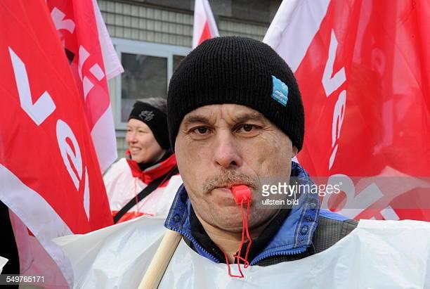 Die Gewerkschaften dbb und verdi Saar rufen zu Warnstreiks im öffentlichen Dienst und einer Demonstration in der Saarbrücker Innenstadt auf Gefordert...