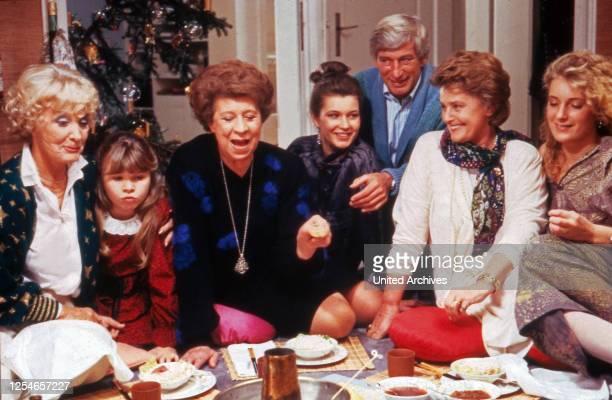 Die glückliche Familie, Fernsehserie, Deutschland 1987 - 1991, Darsteller: Mady Rahl, Susanna Wellenbrink, Elisabeth Welz, Julia Heinemann, Siegfried...