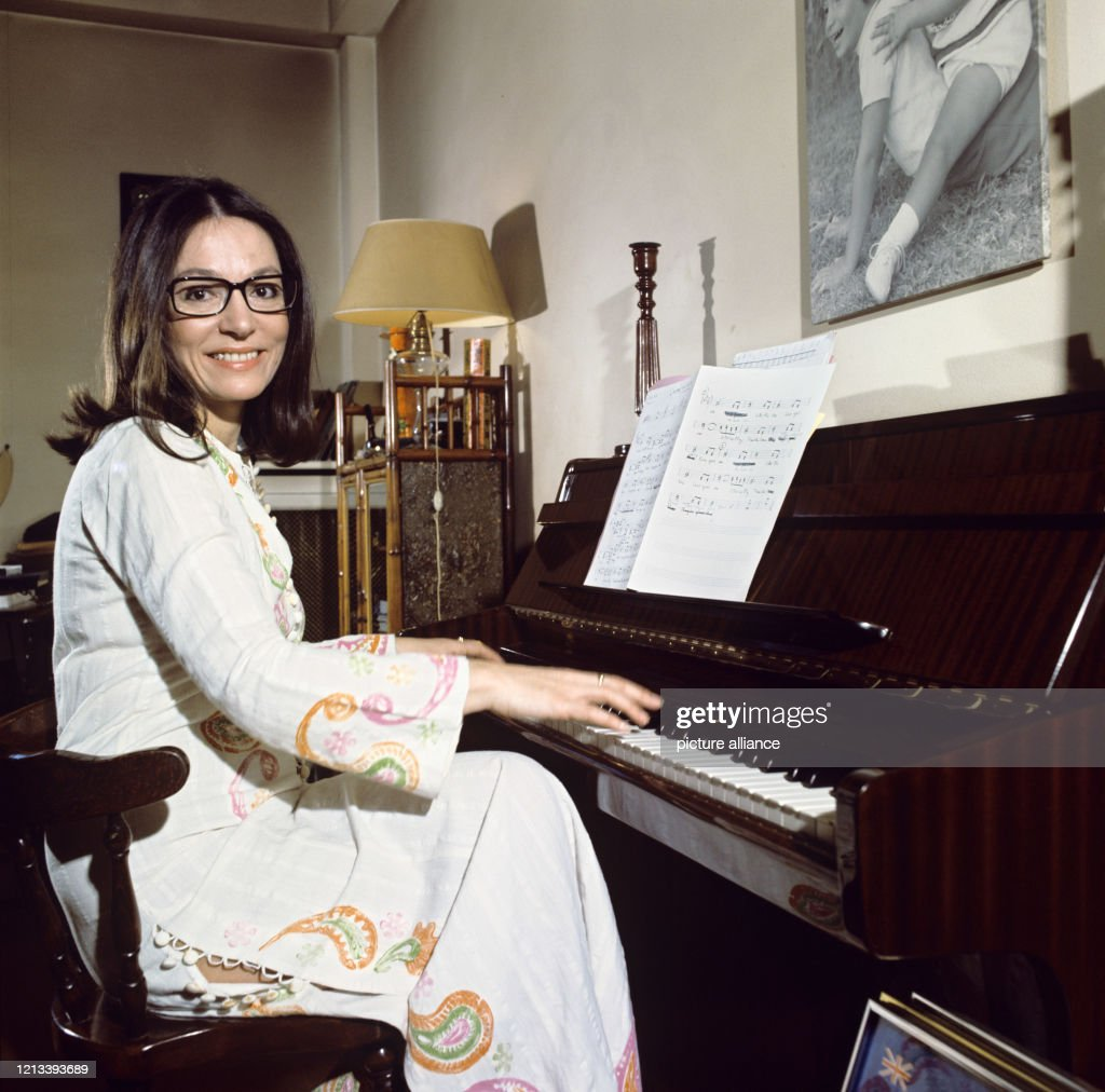 Nana Mouskouri : Photo d'actualité