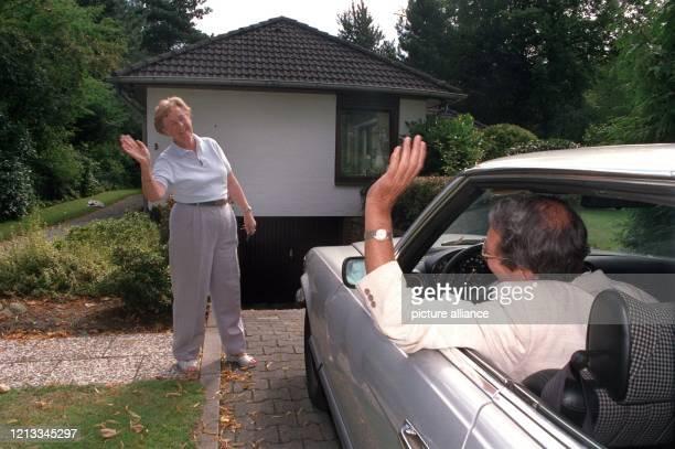 Die Hausbesitzer können beruhigt in die Ferien fahren denn Elfriede Wolter vom Hamburger HaushüterService wird sich in ihrer Abwesenheit gewissenhaft...