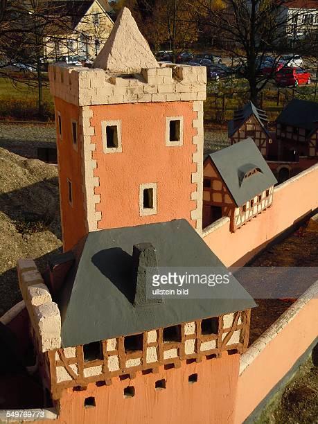 Die historische Burg Anhalt aus dem Unterharz steht als maßstabgerechter MiniaturNachbau am Schlossberg aufgenommen in Ballenstedt am 28 Oktober 2012