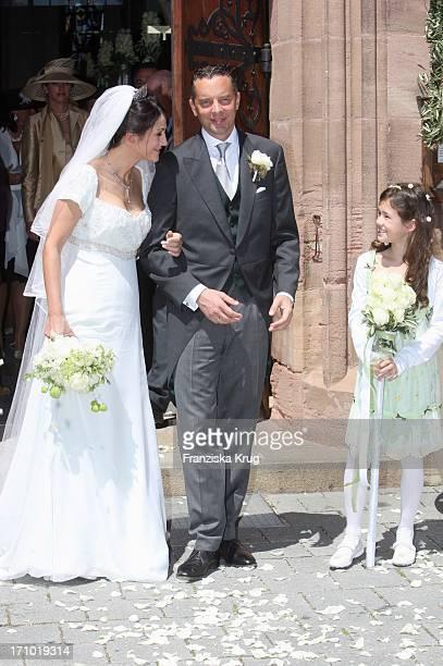 Die Hochzeit Von Mariella Ahrens Und Patrick Graf Von Faber Castell In Der Martin Luther Kirche In Stein Bei Nürnberg Am 070707