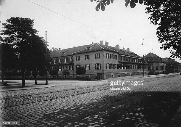 Die Hohe Karlsschule in Stuttgart, ehemals Militär-AkademieAussenansicht 1932