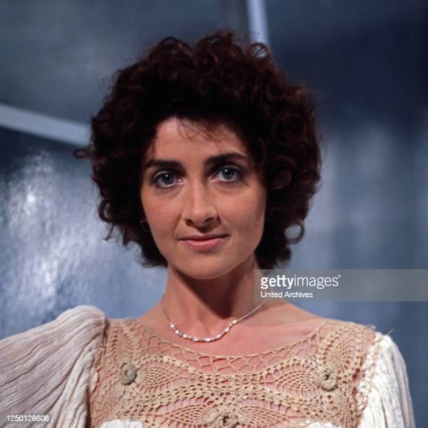 Die irische Sängerin und Komponistin Sally Oldfield Deutschland 1970er Jahre