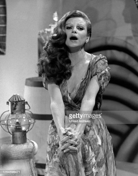 Die italienische Sängerin und Schauspielerin Milva, Ende 1970er Jahre.