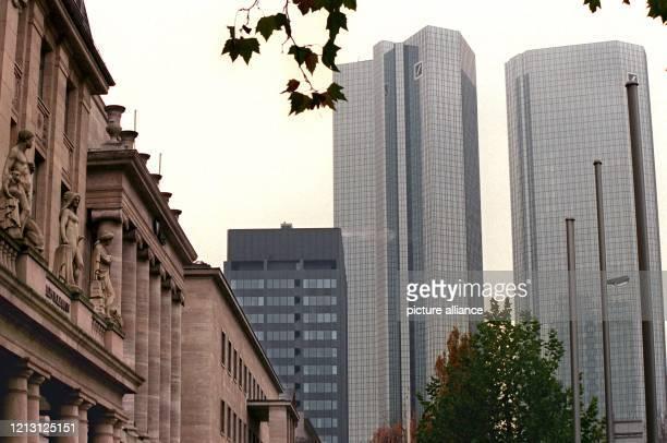 Die Konzernzentrale des Bauriesen Philipp Holzmann und die Türme der Deutschen Bank in Frankfurt aufgenommen am Der Aufsichtsrat des von der Pleite...