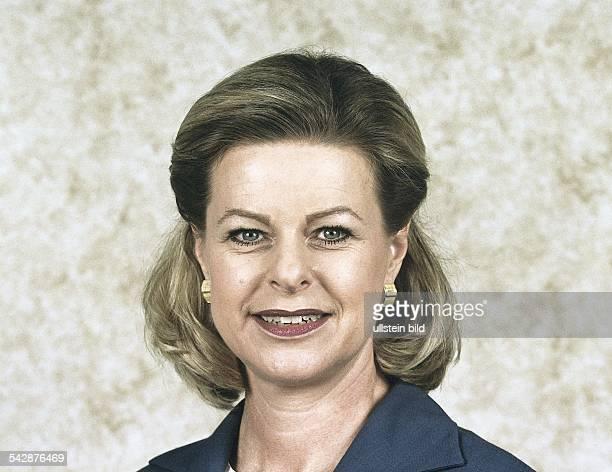 Die Leiterin und Moderatorin des ARDWirtschaftsMagazins 'Plusminus' beim Südwestdeutschen Rundfunk Sabine Gaschütz Undatiertes Foto