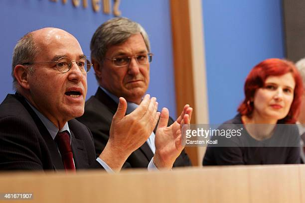 Die Linke Bundestag faction cochair Gregor Gysi and Katja Kipping and Bernd Riexinger the cochairs of the German leftwing party Die Linke address the...
