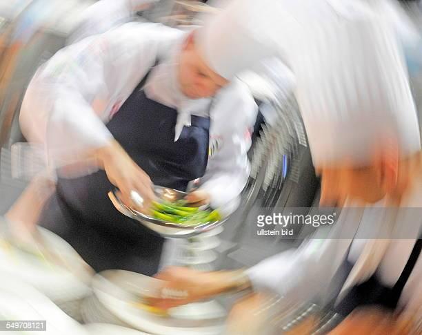 Die Nationalmannschaft von Wales kocht in Erfurt auf der Messe waehrend der Internationale Kochkunstausstellung Olympiade der Koeche. Bis zum 10....