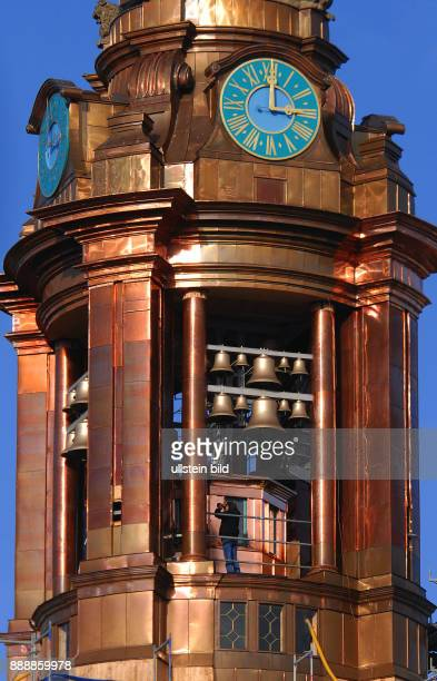 Die Parochialkirche hat ihren Turm zurueck Die 300 Jahre alte Barockkirche im Klosterviertel zwischen Kloster und Waisenstrasse hat seit Kriegsende...