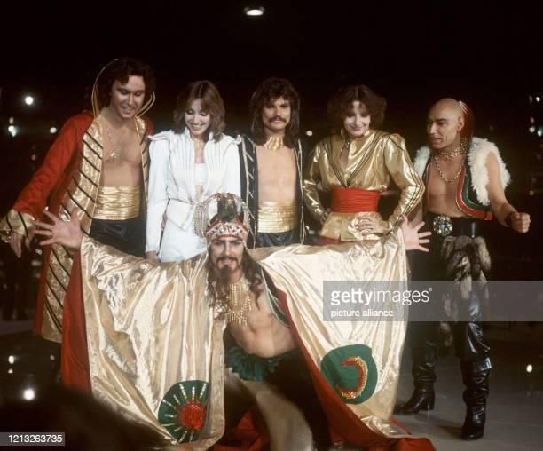 Die Popgruppe Dschinghis Khan am in der RudiSedlmayerHalle in München Die Band mit Steve Bender Wolfgang Heichel Leslie Mandoki Edina Pop Louis...