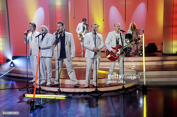 Die Prinzen Band Pop music Germany performing at the tvshow 'Aktuelle Schaubude' in Germany