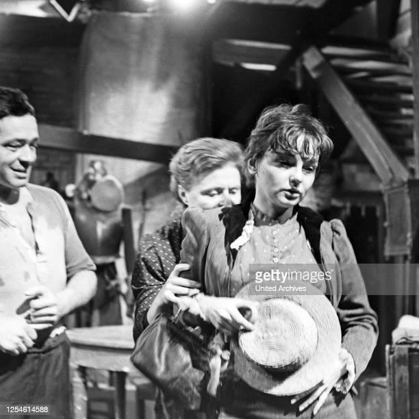Die Ratten, Fernsehspiel, Deutschland 1959, Regie: John Olden, Darsteller: Ingrid Andree, Gisela von Collande, Walter Richter .