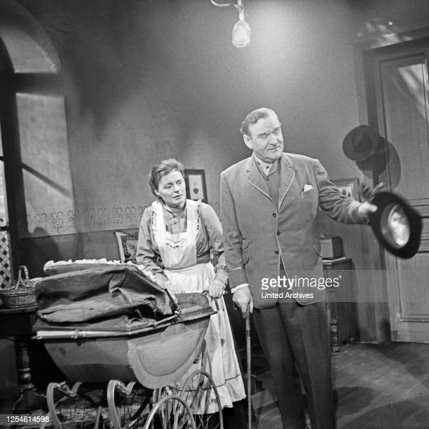 Die Ratten, Fernsehspiel, Deutschland 1959, Regie: John Olden, Darsteller: Gisela von Collande, Walther Süssenguth.