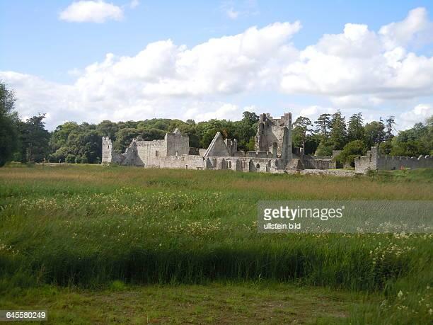 Die Ruinen einer normannischen Burg aus dem 13 Jahrhundert können von Touristen besichtigt werden aufgenommen am 22 Juli 2015 in Adare
