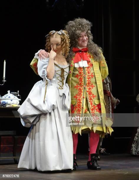 Die Schauspieler Anja Boche Dieter Hallervorden aufgenommen bei Proben zu dem Theaterstück Der Bürger als Edelmann im Schlosspark Theater in Berlin...