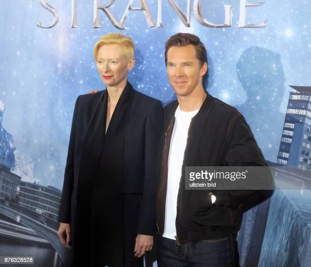 Die Schauspieler Benedict CumberbatchTilda Swinton vr aufgenommen bei einem Fototermin zum Film Doctor Strange im Soho House in Berlin Mitte