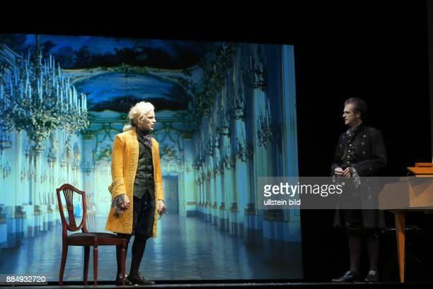 Die Schauspieler Marko Pustisek Johann Fohl li aufgenommen bei Proben zu dem Theaterstück Amadeus im SchlossparkTheater in Berlin Steglitz Regie