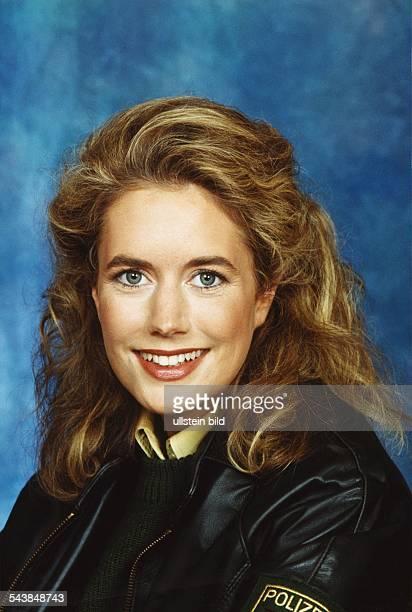 """Die Schauspielerin Anna Bergmann in der Fernsehserie """"Großstadtrevier"""". Aufgenommen Februar 1999."""