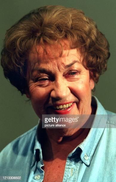 Die Schauspielerin Hilde Sicks feierte am Sonntag im Hamburger Ohnsorg-Theater ihr 50jähriges Bühnenjubiläum. Die geborene Hamburgerin, die am 25....