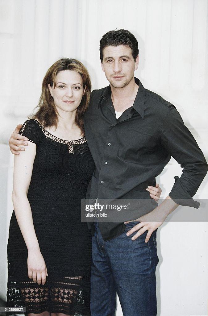 Die Schauspielerin Martina Gedeck mit dem Schauspieler