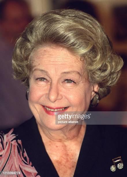 Die Schauspielerin und Sängerin Ilse Werner feiert am 11. Juli 2001 ihren 80. Geburtstag. 1921 wurde Werner auf Java als Tochter eines...