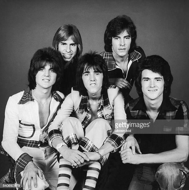 Die schottische Musikgruppe 'Bay City Rollers' Bassist Eric Faulkner Schlagzeuger Derek Longmuir Gitarrist Stuart Wood Gitarrist Alan Longmuir und...