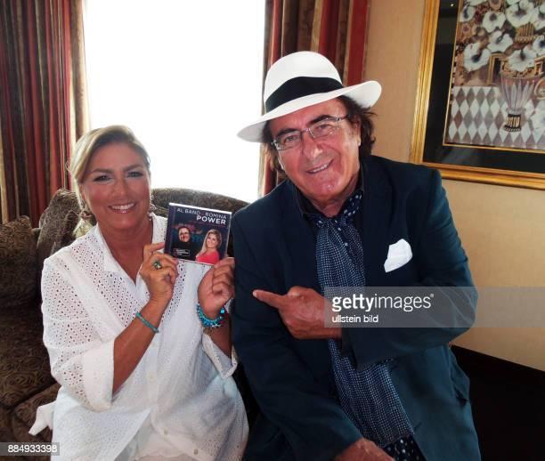 Die Sänger vom Duo Al Bano Albano Carrisi Romina Power aufgenommen bei der Präsentation von ihrem Comeback Album The very Best Live aus Verona im...