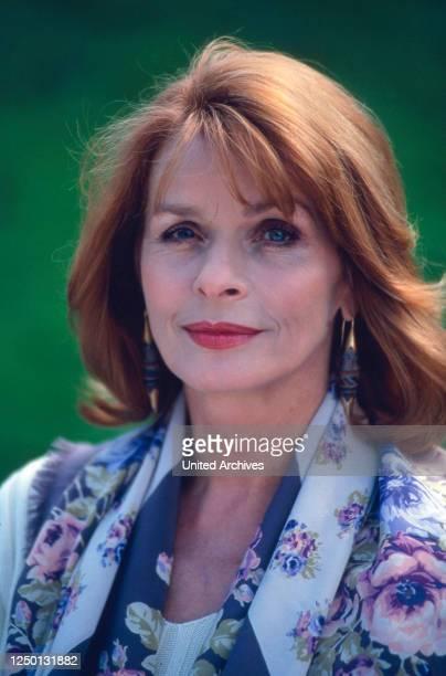 Die österreichisch deutsche Schauspielerin Senta Berger, Deutschland 1980er Jahre.