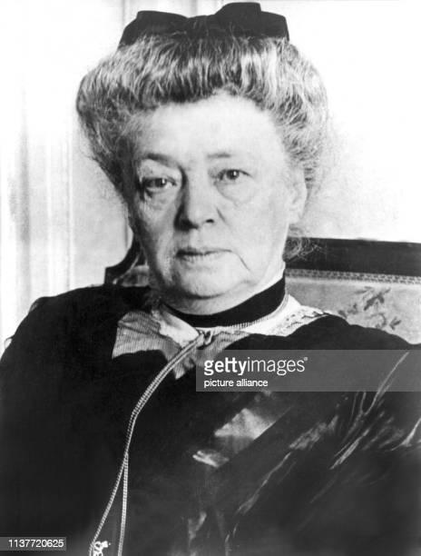 Die österreichische Pazifistin und Schriftstellerin regte die Stiftung des Friedensnobelpreises an mit dem sie selbst 1905 als erste Frau...