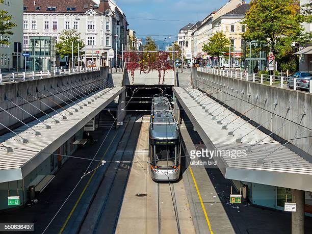Die Straßenbahn in Linz OberÖsterreich fährt zum Teil unterirdisch