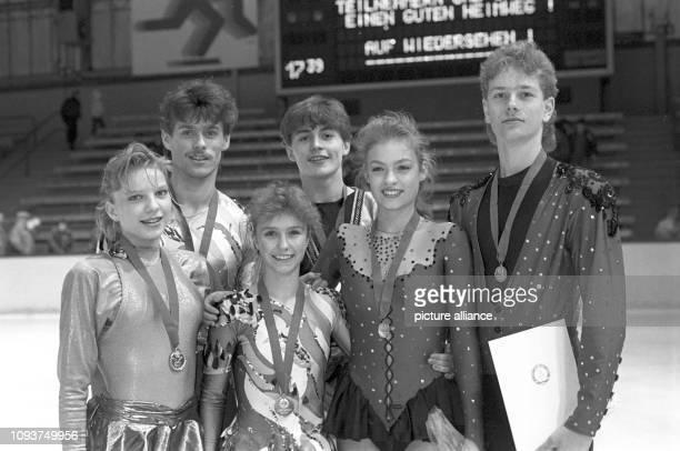 Die Titelträger bei den DDRMeisterschaften 1990 im Eiskunstlauf Tanja Krienke Mandy Wötzel/Axel Rauschenbach Ronny Winkler und Kati Winkler/Rene...