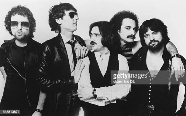 """Die US-amerikanische Musikgruppe """"Blue Oyster Cult"""" : Sänger Eric Bloom, Keyboarder und Gitarrist Allen Lanier, Gitarrist Donald """"Buck Dharma""""..."""