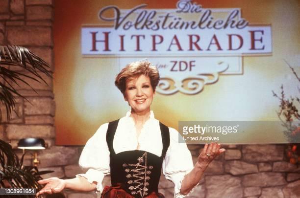 Die volkstümliche Hitparade im ZDF / CAROLIN REIBER, die Moderatorin einer der erfolgreichsten und langlebigsten Sendungen im ZDF, der volkstümlichen...