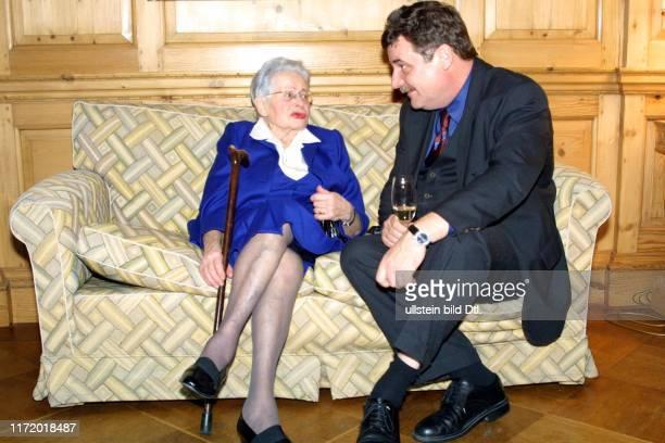 Die Welt Welt - Literatur - Preis 2001 Frau von Willy Haas und E. Fuhr