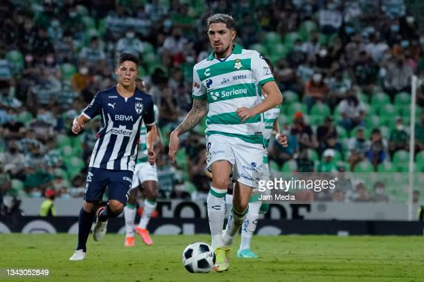 Diego Alfonso Valdes of Santos controls the ball during the 10th round match between Santos Laguna and Monterey as part of the Torneo Grita Mexico...