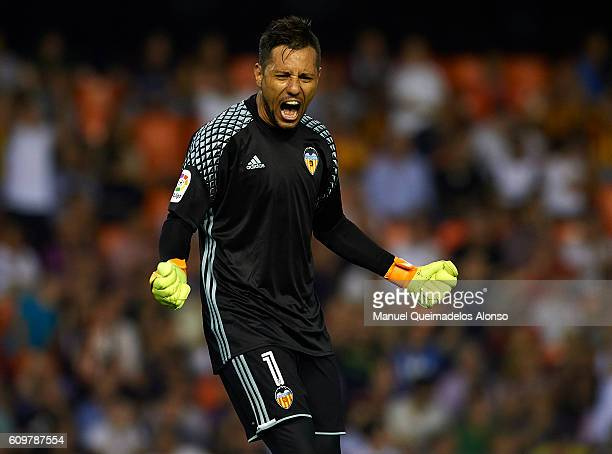 Diego Alves of Valencia celebrates the victory at the end of the La Liga match between Valencia CF and Deportivo Alaves at Mestalla Stadium on...