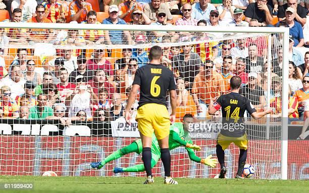 Diego Alves of Valencia CF stop the penallty during the La Liga match at Mestalla Stadium on 2 october Valencia