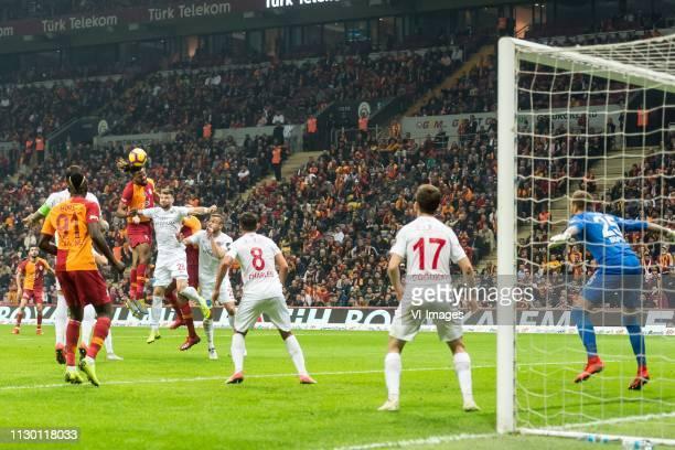 Diego Angelo de Oliveira of Antalyaspor AS Mbaye Diagne of Galatasaray SK nga27 Ondrej Celustka of Antalyaspor AS Marcos do Nascimento Teixeira of...