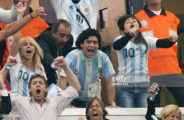 Diego Armando Maradona ehemaliger Fussballspieler Argentinien als Zuschauer bei der FIFA WM 2006 in Deutschland beim Spiel der Gruppe C Argentinien...